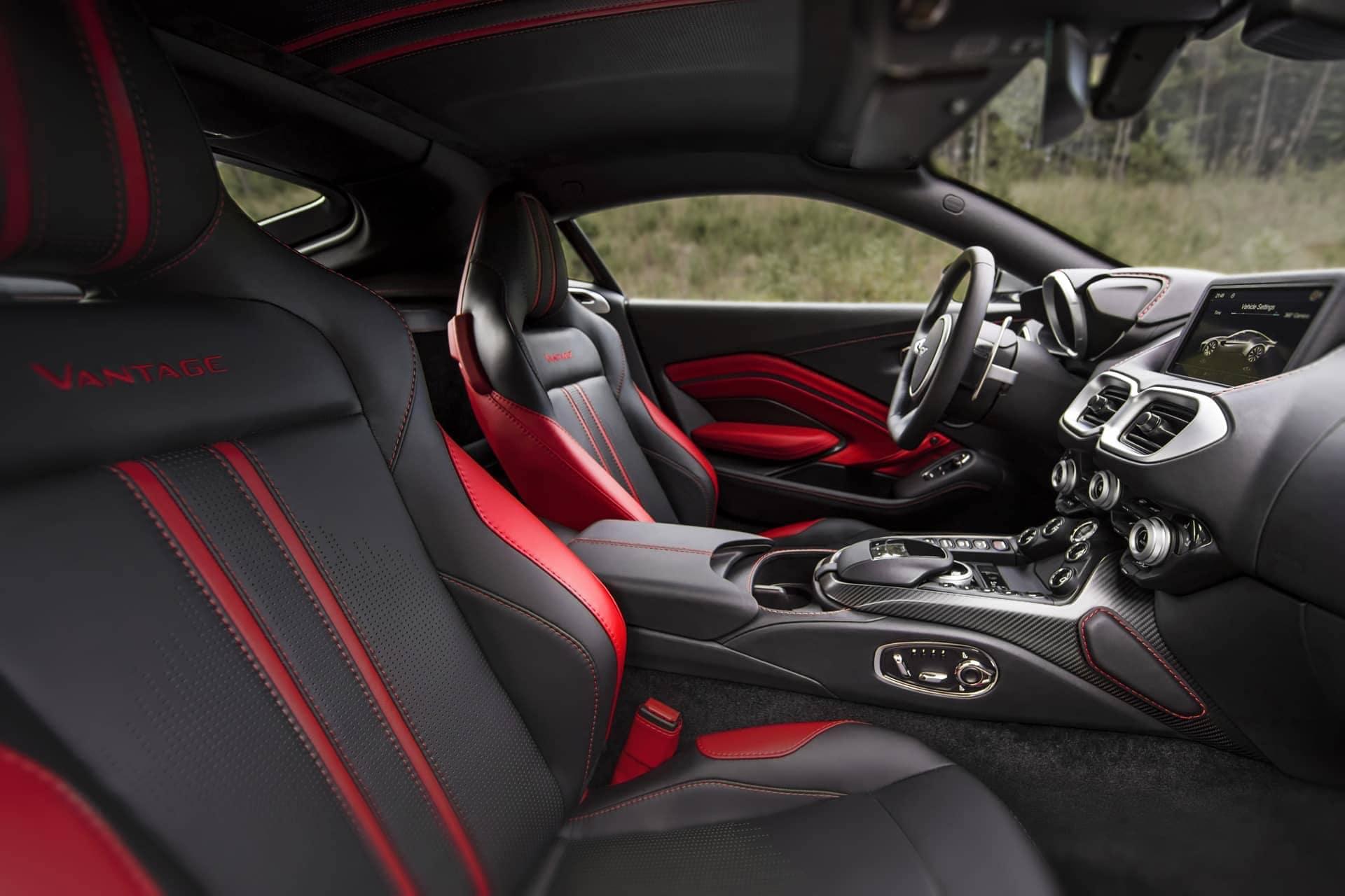 Aston-Martin-Vantage-2017-16