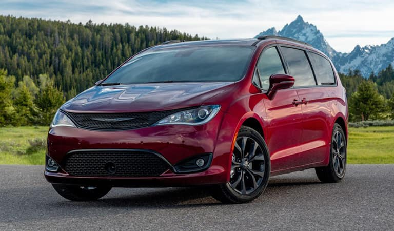 New 2020 Chrysler Pacifica Patchogue NY