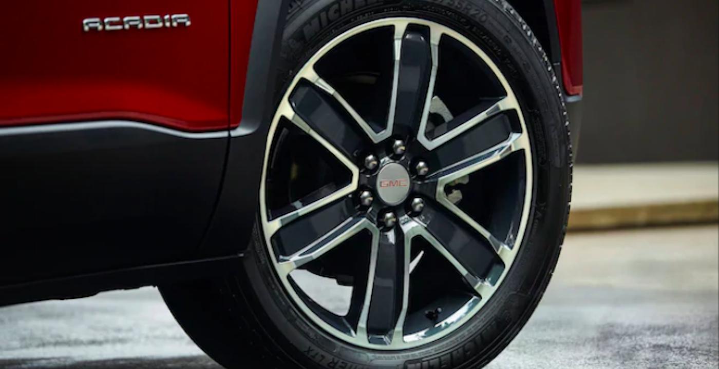 2020 gmc acadia wheel image close up
