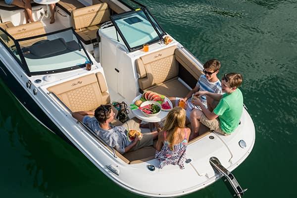 Sea-Ray-Deck-Boats