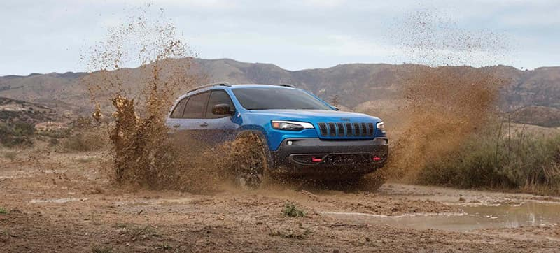 2019-Jeep-Cherokee-Gallery-Capability-Blue-Trailhawk-Waterfording.jpg.image