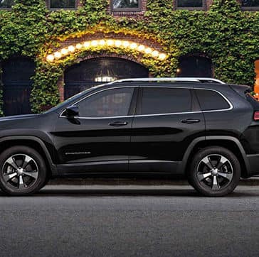 2019-Jeep-Cherokee-Gallery-Exterior-Black-Limited-City-Evening.jpg.image.1440