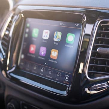 2019-Jeep-Compass-Gallery-Interior-Uconnect.jpg.image.1440
