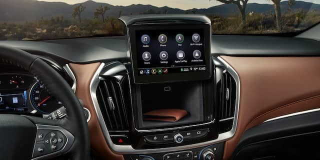 2020 Chevy Traverse Features