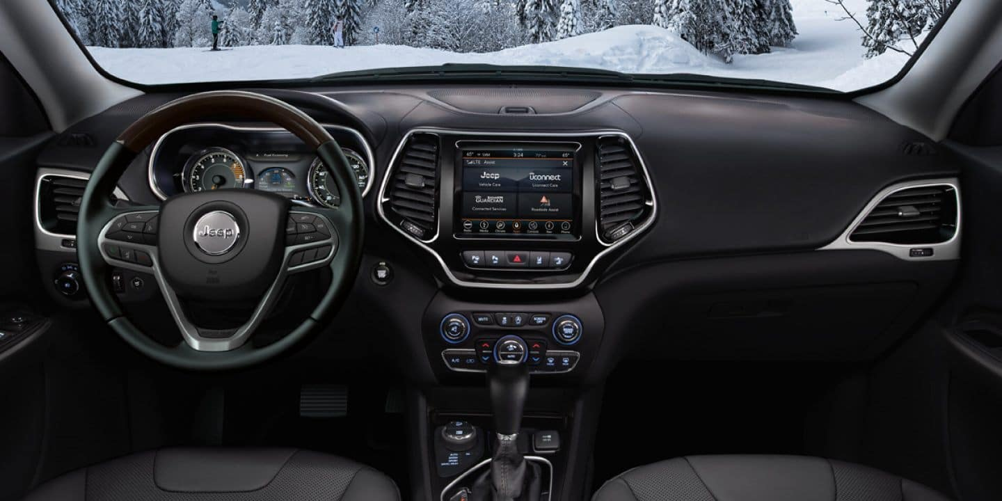 2020 Jeep Grand Cherokee Interior Features at Sunland Park CDJR
