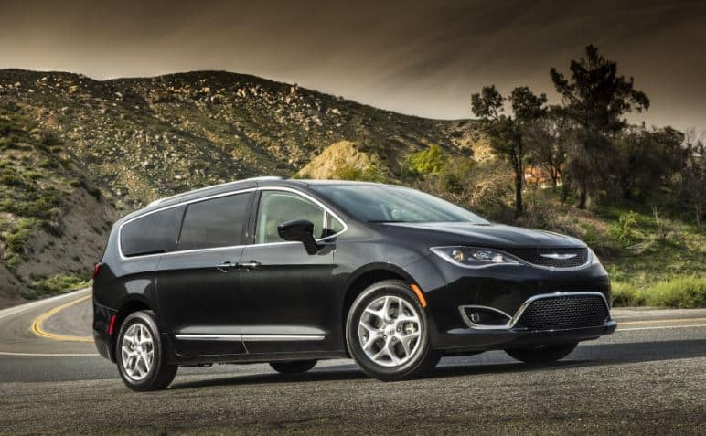 picture of 2020 chrysler pacifica